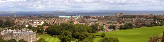 Blick vom Arthur's Seat zum Firth of Forth (LDamskis)